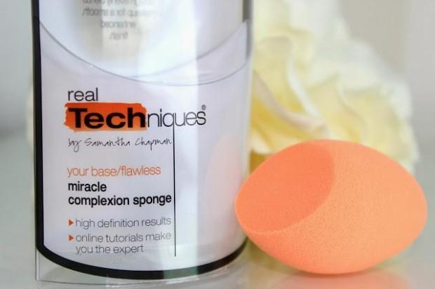 real-techniques-miracle-complexion-sponge-L-8aIAUx-620x412